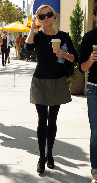 0214reese-witherspoon-wren-skirt4_fa