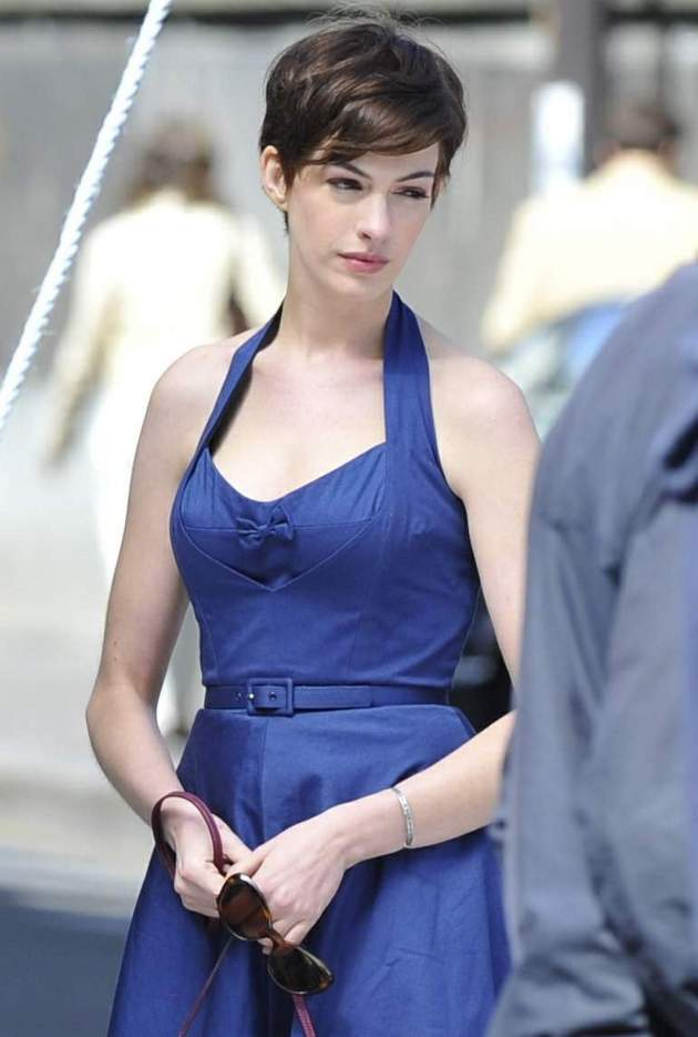 copy-of-anne-hathaway-blue-dress-set-of-one-day-in-paris-8-31-2010-hqx24-6