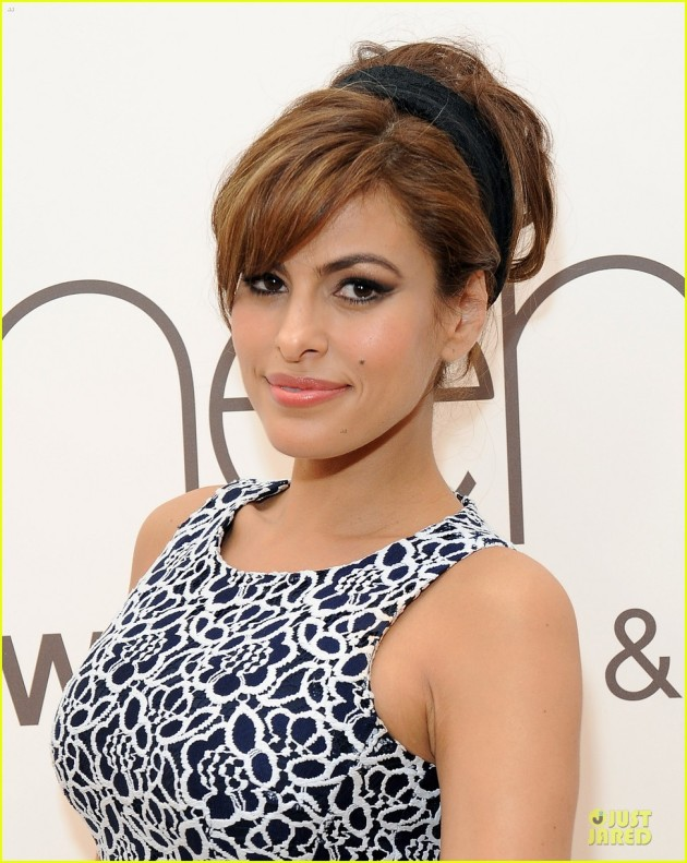 eva-mendes-new-york-company-collection-launch-09