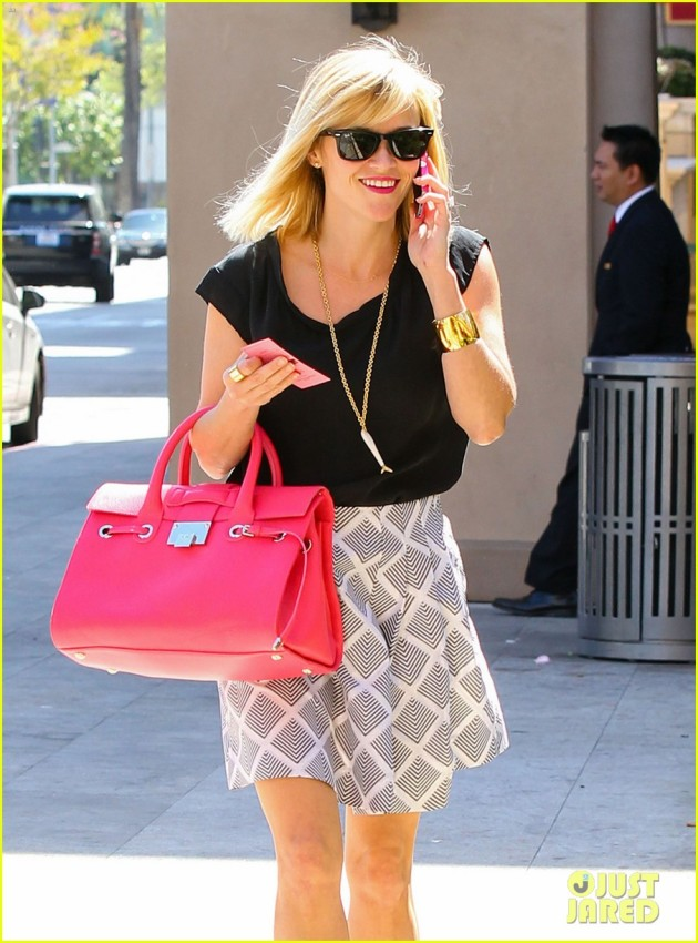 Reese Witherspoon Takes Her Mom To Lunch