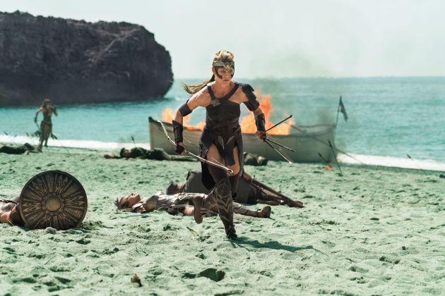Wonder-Woman-52-Robin-Wright